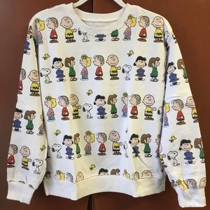 NWOT Adorable, soft Forever 21 Peanuts sweatshirt